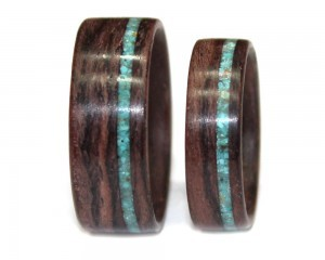 Bolivian Rosewood with Turquoise Inlay Wooden Bentwood Ring Set
