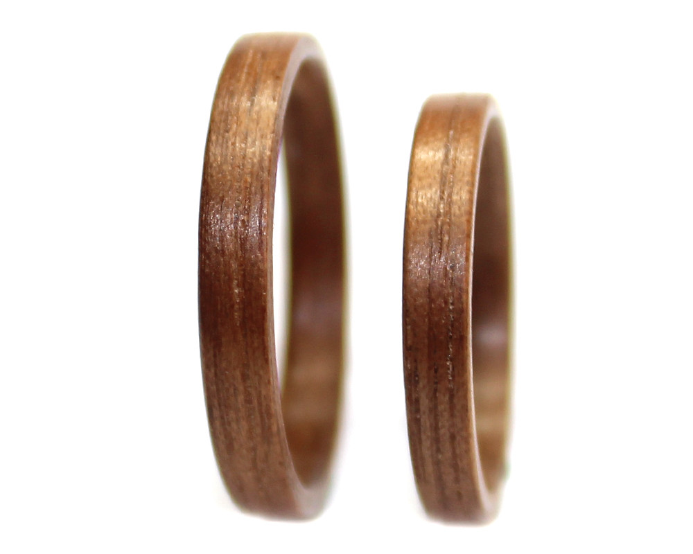 Walnut wood rings set thin bentwood