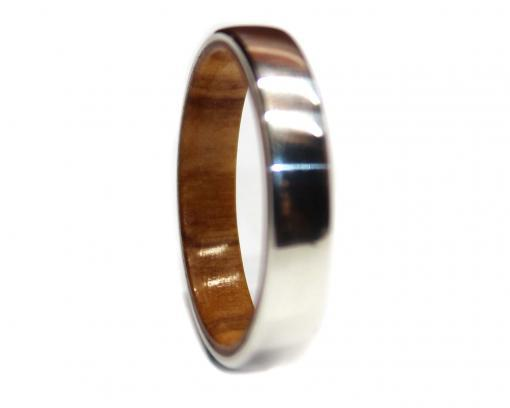 olivewood-lined-silver-ring